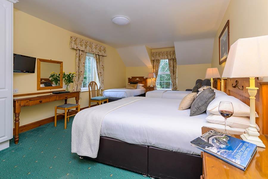 Friars Glen Killarney family bedroom